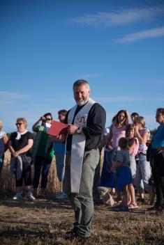 p. Marek Winiarski zrokycanské farnosti posvětil nová Boží muka
